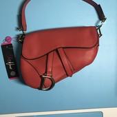 Красная сумка «Dior»