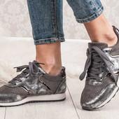 Женские модные легенькие кроссовки!