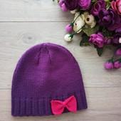 Очень симпатичная шапка для девочки 2-4года. Очень хорошее состояние.