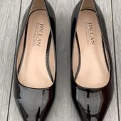 Лаковые туфельки\белетки отличного качества.