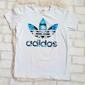 Футболка женская Adidas, 10р ,м,в отличном состоянии