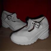 Kookai туфли на танкетке.размер 37.стелька 22.5 см.в отличном состоянии.