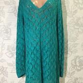 Вязаное платье-свитер.