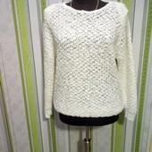 белый воздушный свитер