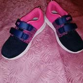 Отличные кроссовки для девочки р. 32