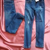 Стильні джинси скінні Kiabi з потертостями.В лоті 1 розмір на вибір