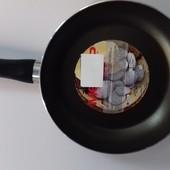 Сковородка диаметр 24 см с тефлоновым покрытием