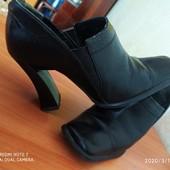 Продам туфельки р-р 38,по стельке 25 см