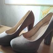 Шикарные Новые туфли. обувались на примерке.
