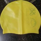 Силиконовая детская шапочка для плавания.