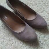 Жіночі туфлі розмір 42