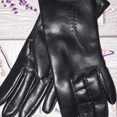 Женские черные перчатки из эко кожа на флисе ,размер L