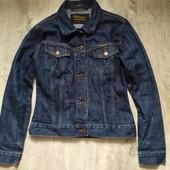 Джинсовая куртка wrangler р.м в отличном состоянии