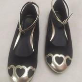 Стильные туфли для девочки, длина стельки 22,5 см.