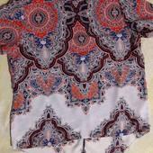 Красивая блузка с оригинальной спинкой Peacocks