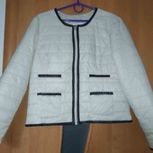 Класнючая стильная куртка,трендовый бежевый цвет!