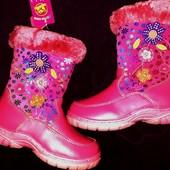 Новые ботинки с натуральным мехом р. 30 по стельке 19 см
