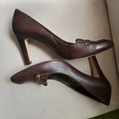 Фирменные красивые туфли из натуральной мягчайшей кожи р.40-41 на ножку 26-26,5см