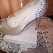 Туфли очень красивые 40 р по стельке 25.5 см