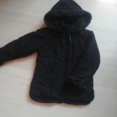 Курточка на 5-6 лет в очень хорошем состоянии