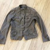 Пиджак в военном стиле