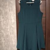 Фирменное красивое платье в отличном состояниир.16-18