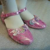 Туфельки для девочки нарядные на праздник, утренник