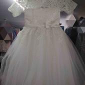 шикарне бальне плаття На 3-5 років