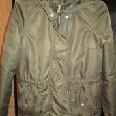 куртка демисезонная с капюшоном 44-46р