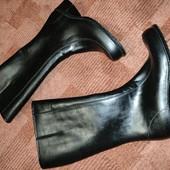 Или алые зимние резиновые сапоги made in Israel, от Barrats 7/41р