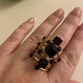 Стильное женское кольцо. Размер 17-17,5