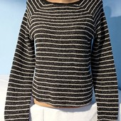 Очень красивый свитерок с люрексовой нитью Состояние отличное!!!