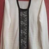 Стильный белый свитер тонкой вязки с гипюровой вставкой Bm
