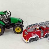 Пожарная машина и трактор одним лотом