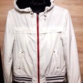 Тёпленькая демисезонная курточка, размер M-L