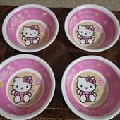 Hello Kitty чотири тарілки