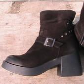 зимние комфортные кожаные сапоги 40р нубук на меху - много фото по ссылке