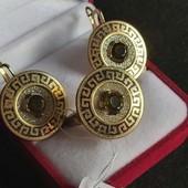 Красивый набор позолота 585(лимонное золото) фианиты эмаль