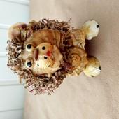 Лев из ракушек