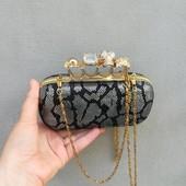 Крутой клатч с черепом и камнями кастет