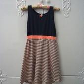 Хлопковое платье на рост 146-152, сзади длиннее.