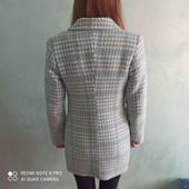 Весняне жіноче пальто