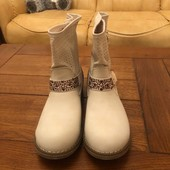 Чудові білі чобітки розмір на вибір 40,41!