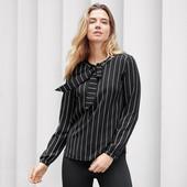 ☘ Чорно-біла смугаста блуза з зав'язками від Tchibo (Німеччина), р .: 44-46 (38 євро)