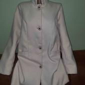 Пудровое пальто