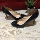 Туфлі із натуральної лакованої шкіри,від Minelli,розмір 38,устілка 25
