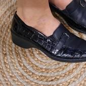 Мягкие удобные туфли с натуральной кожи на танкетке,23,5 см