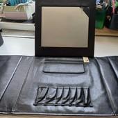 Сумка косметичка с подставкой зеркалом и кармашками для косметики .