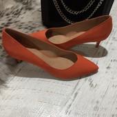 Туфлі із натурального нубука,від Minelli,розмір 37,устілка 24,5.Новинка