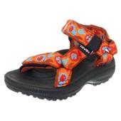 Универсальны и практичные спортивные сандалии Teva